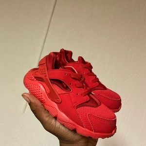 Red Nike Huaraches (toddlers)